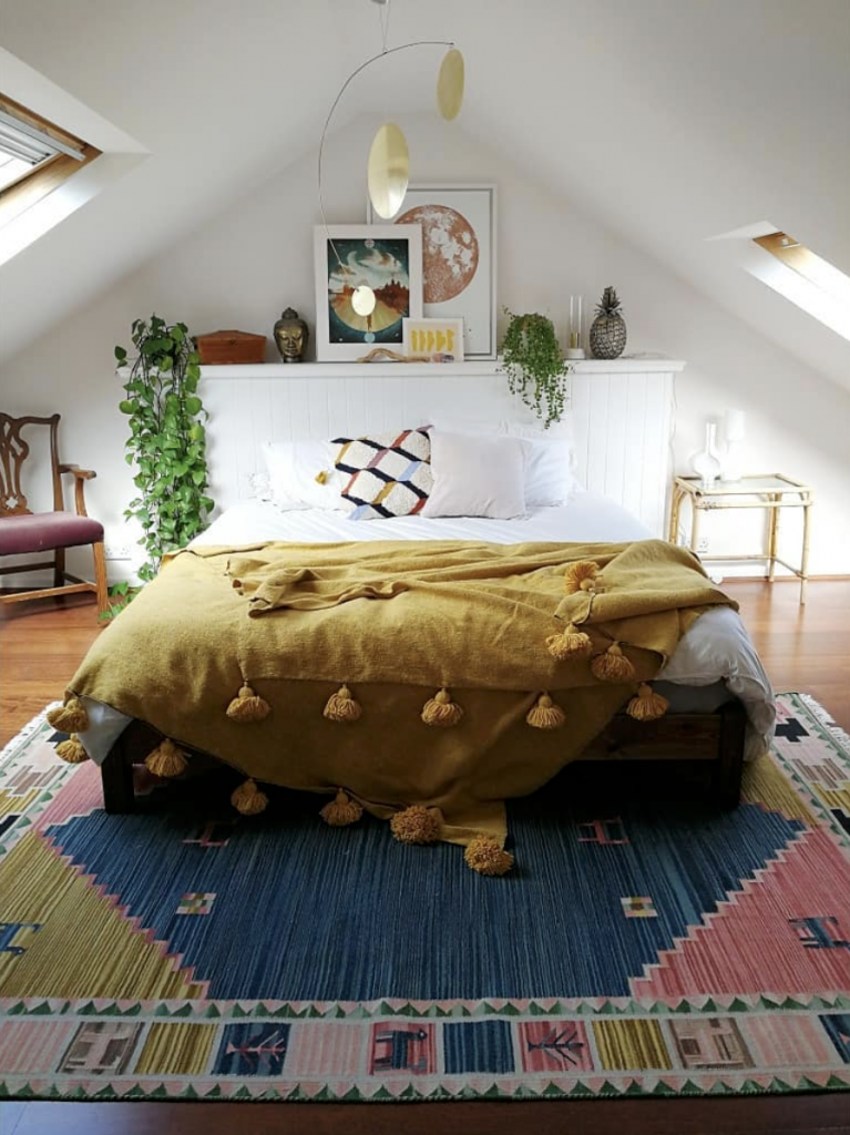 Sisters mobile in boho loft bedroom